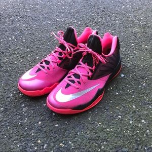 Nike Zoom Run One Kay Yow Breast Cancer Awareness